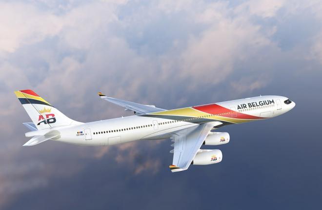 Самолет Airbus A340-300 новой авиакомпании Air Belgium