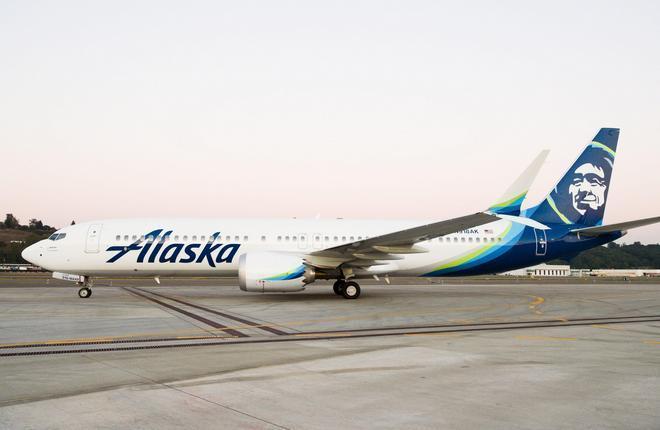 самолет Boeing 737-9 американской авиакомпании Alaska Airlines