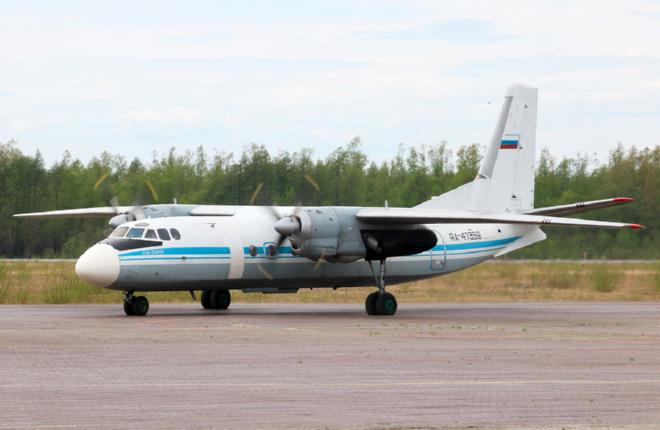 """Самолет Ан-24 перевозчика """"Хабаровские авиалинии"""""""