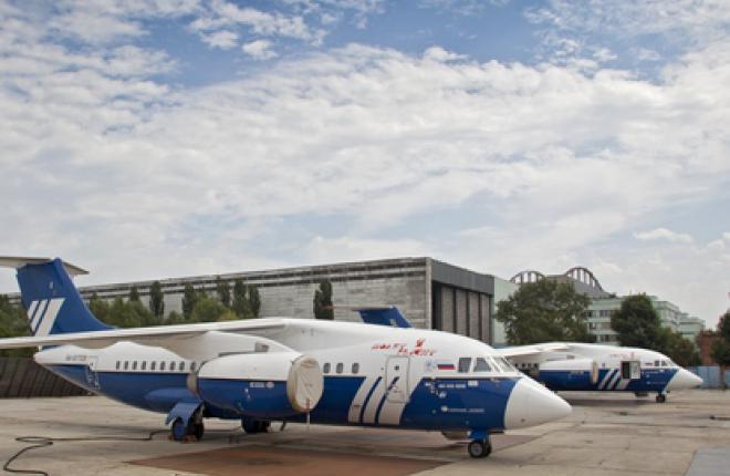 """""""Полет"""" не спешит с Ан-148 :: Леонид Фаерберг / Transport-Photo.com"""