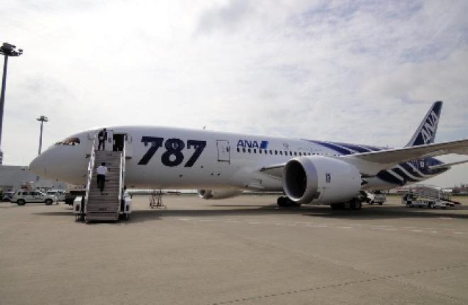 Самолет Boeing 787 японской авиакомпании ANA совершил первый коммерческий полет