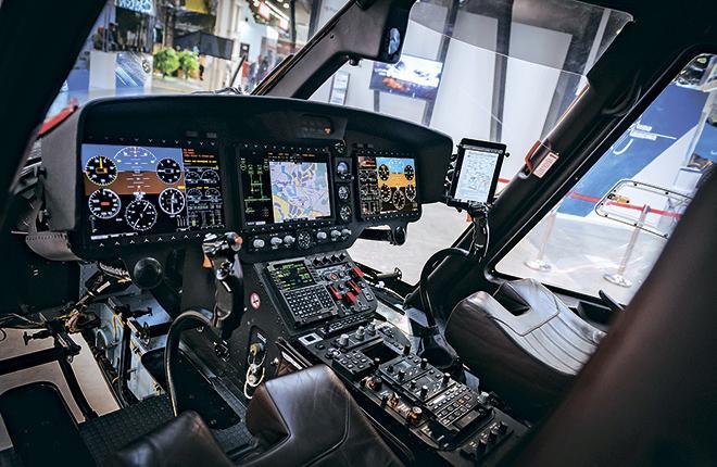 Макет новой разработки РПКБ демонстрируется в составе вертолета «Ансат»