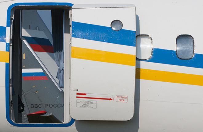 Дверь самолета Ан-158