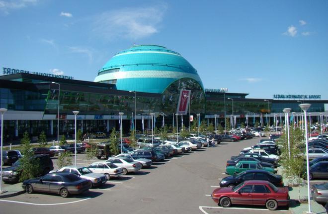 Пассажирский терминал в аэропорту Астаны
