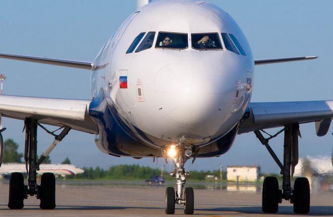 самолет Airbus A319 авиакомпании «Аврора»