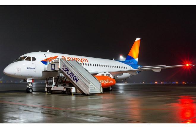 "13-й Superjet 100 авиакомпании ""Азимут"""