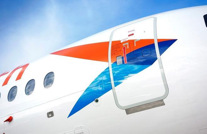 """Логотип самолета Superjet 100 авиакомпании """"Азимут"""""""