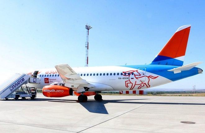 ливрея «Вольный Дон» нанесена на самолет  Superjet 100 авиакомпании «Азимут»