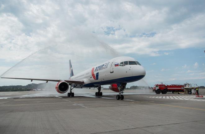 Azur Air запустила чартерную программу полетов по России