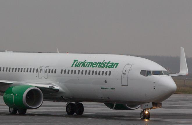 Turkmenistan Airlines приняла новый самолет Boeing 737-800