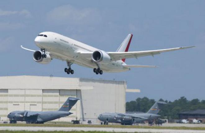Boeing 787 из Южной Каролины выполнил первый полет