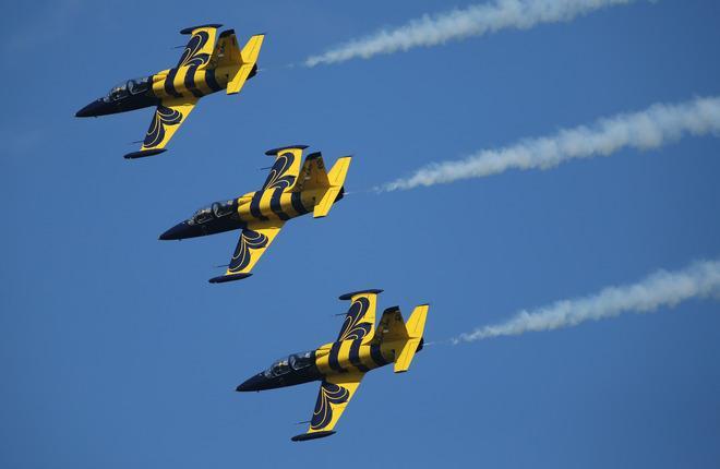 Пилотажная группа Baltic Bees Jet Team