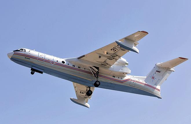 Бе-200 RF-31120 поднялся в воздух в начале июля