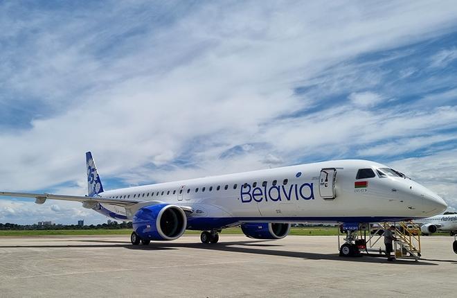 """Региональный реактивный самолет нового поколения Embraer E195-E2 белорусской авиакомпании """"Белавиа"""" (заводской серийный номер MSN 19020049)"""