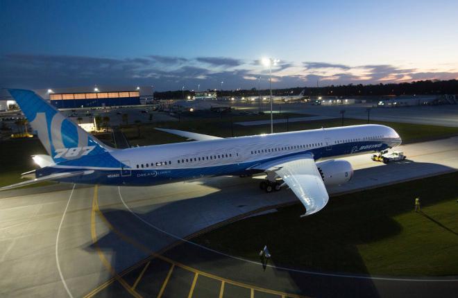 Выкатка самолета Boeing 787-10