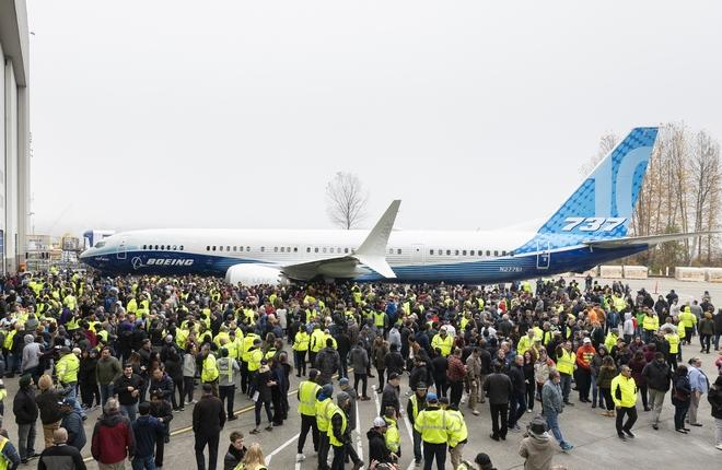 Выкатка Boeing 737MAX-10 22 ноября 2019 г.