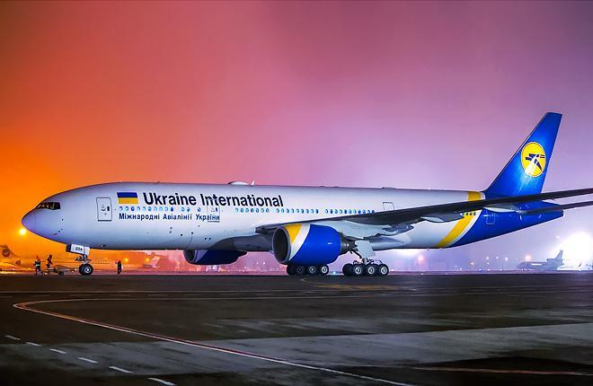 """Самолет Boeing 777 авиакомпании """"Международные авиалинии Украины"""""""
