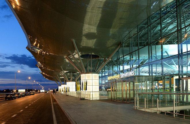 Пассажирский терминал в аэропорту Борисполь