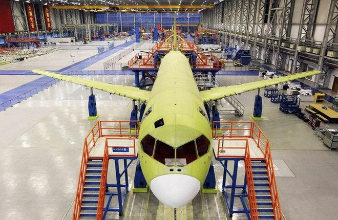 Введение в эксплуатацию китайского самолета C919 перенесли на 2019 год