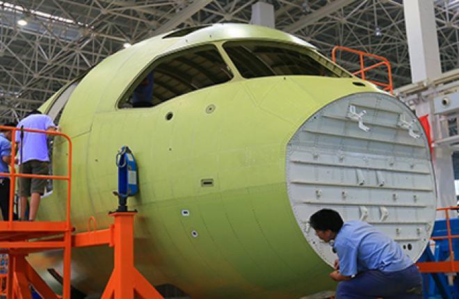 В Китае завершена сборка носовой секции самолета C919