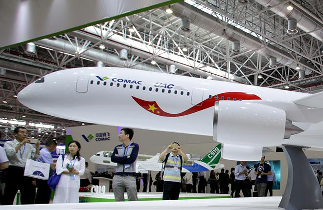 Макет российско-китайского широкофюзеляжного дальнемагистрального самолета