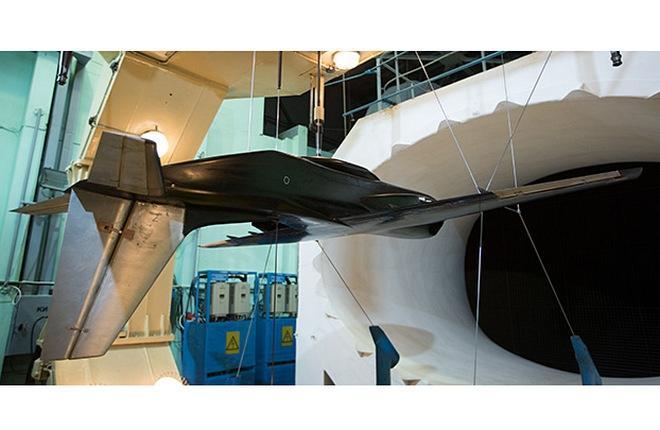 В ЦАГИ испытали модель легкого конвертируемого самолета (ЛКС) с модифицированными элементами компоновки