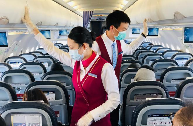 В салоне самолета China Southern Airlines после Covid-19