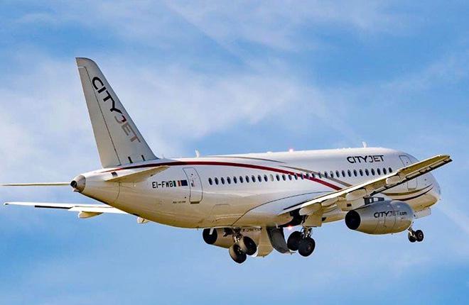 Самолет Sukhoi Superjet 100 авиакомпании CityJet