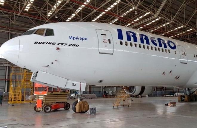 "Boeing 777-200 ""ИрАэро"""