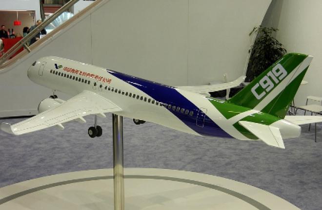 В Китае впервые выкатили прототип узкофюзеляжного самолета С919