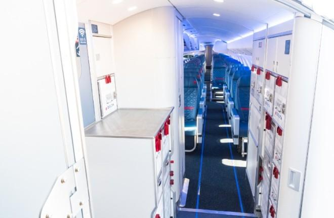 Cалон Atmosphere для региональных самолетов Bombardier