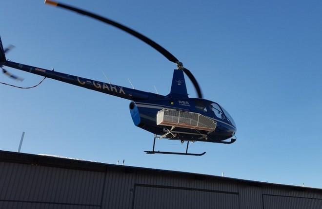 В Канаде сертифицировали корзину для вертолета Robinson R66