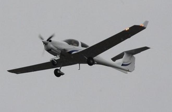 Состоялся первый полет учебного самолета Diamond DA-40, собранного на УЗГА