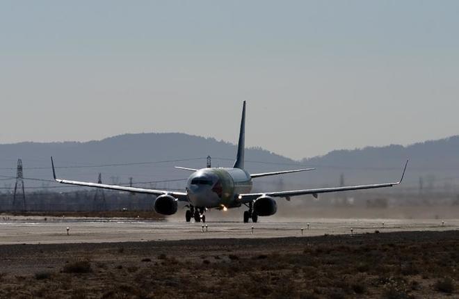 Конвертированный грузовой узкофюзеляжный самолет Boeing 737-800ВCF