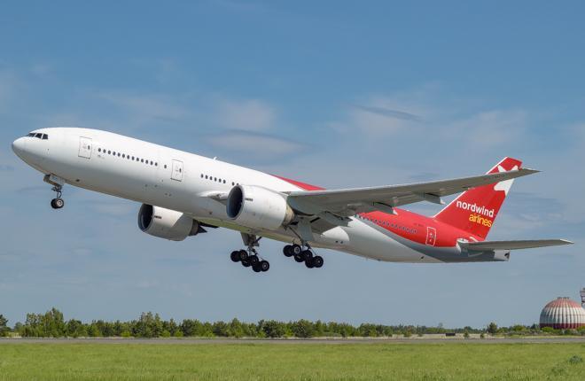 Самолет Boeing 777 NordWind Airlines