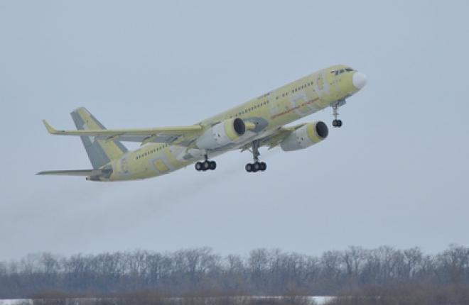 Первый полет Ту-204СМ состоялся 29 декабря 2010 г. (фото - ОАК)