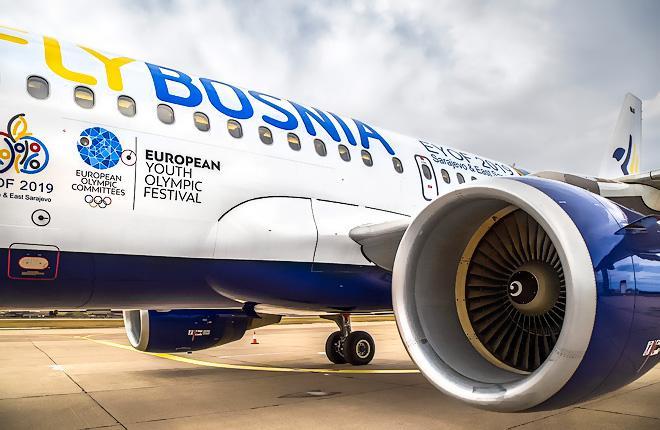 Самолет Airbus A319 авиакомпании FlyBosnia