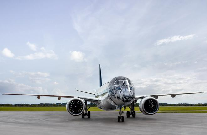 Самолет Embraer E190-E2 авиакомпании Air Astana