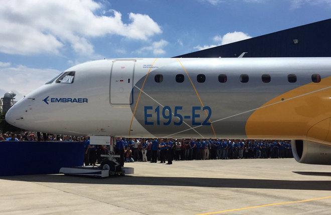 Самолет Embraer E195-E2