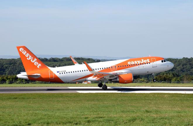 Самолет Airbus A320 авиакомпании EasyJet