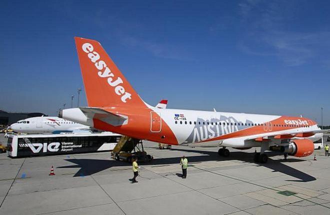 Самолет Airbus A320 авиакомпании EasyJet Europe в аэропорту Вена (EasyJet)