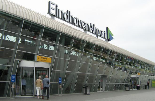 Пассажирский терминал в аэропорту Эйндховена