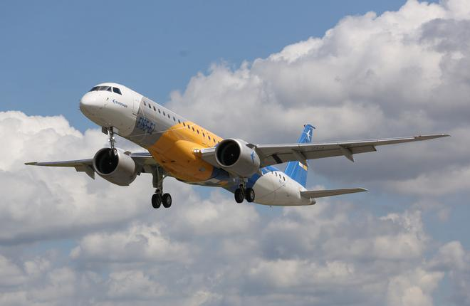 Первый полет самолета Embraer E195-E2