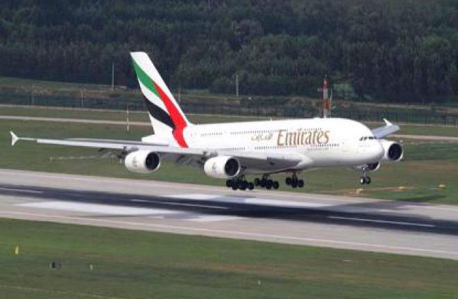 Авиакомпания Emirates получила три самолета А380 и два Boeing 777