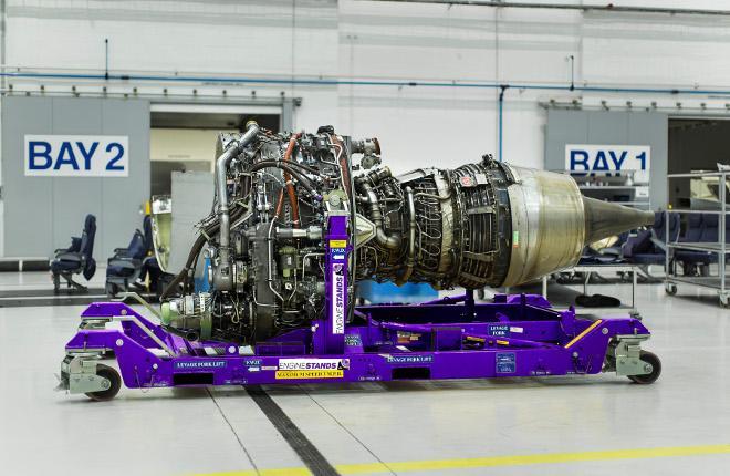 Авиадвигатель на тележке