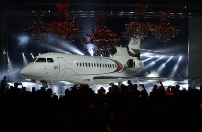 Dassault выкатил первый бизнес-джет Falcon 8X