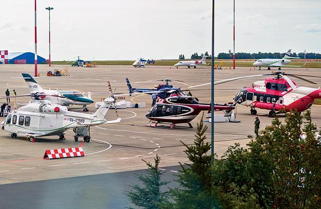 """Статическая экспозиция на перроне аэропорта Казани была представлена 11-ю воздушными судами деловой авиации :: УК """"Тулпар Аэро Групп"""""""