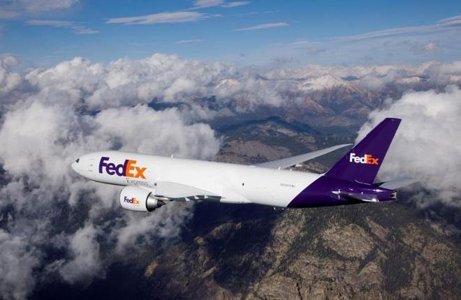 самолет авиакомпании FedEx Express