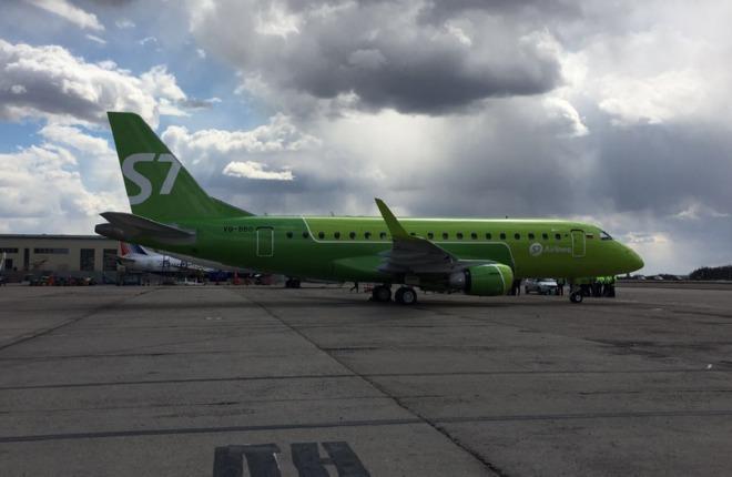 S7 Airlines получила первый самолет Embraer E170