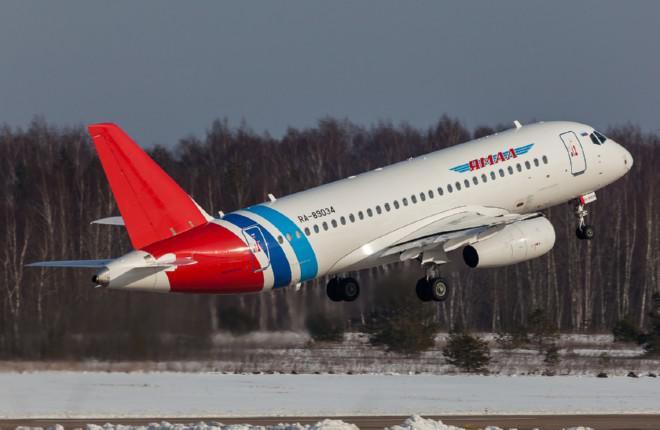 """Авиакомпания """"Ямал"""" подписала договор лизинга первого Sukhoi Superjet 100"""